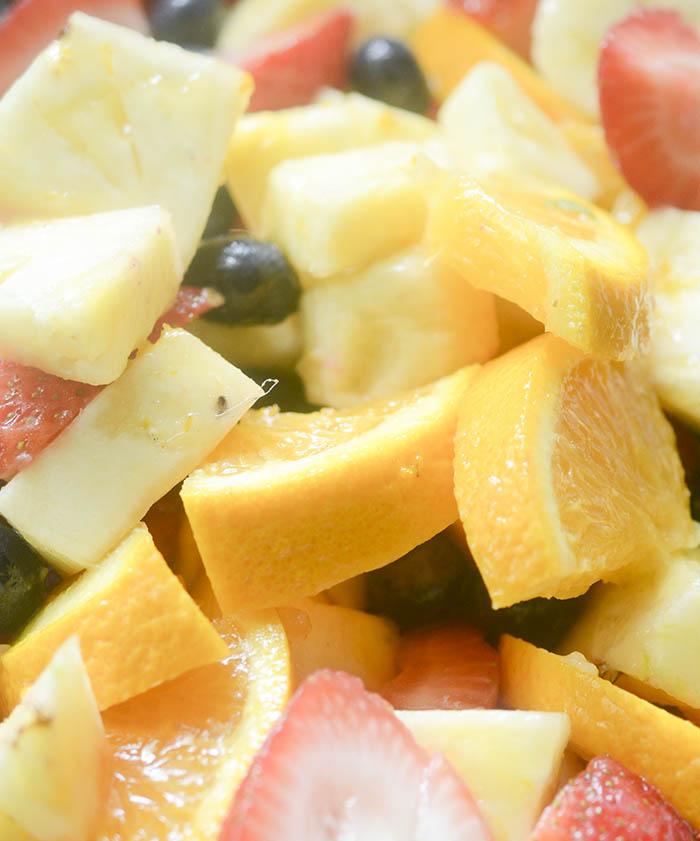 musim Panas yang Sempurna Salad Buah salad besar untuk mengambil untuk musim Panas BBQ atau memasak. Semakin lama salad ini berada dalam rendaman yang baik karena mendapat! Akan hilang dalam hitungan detik!