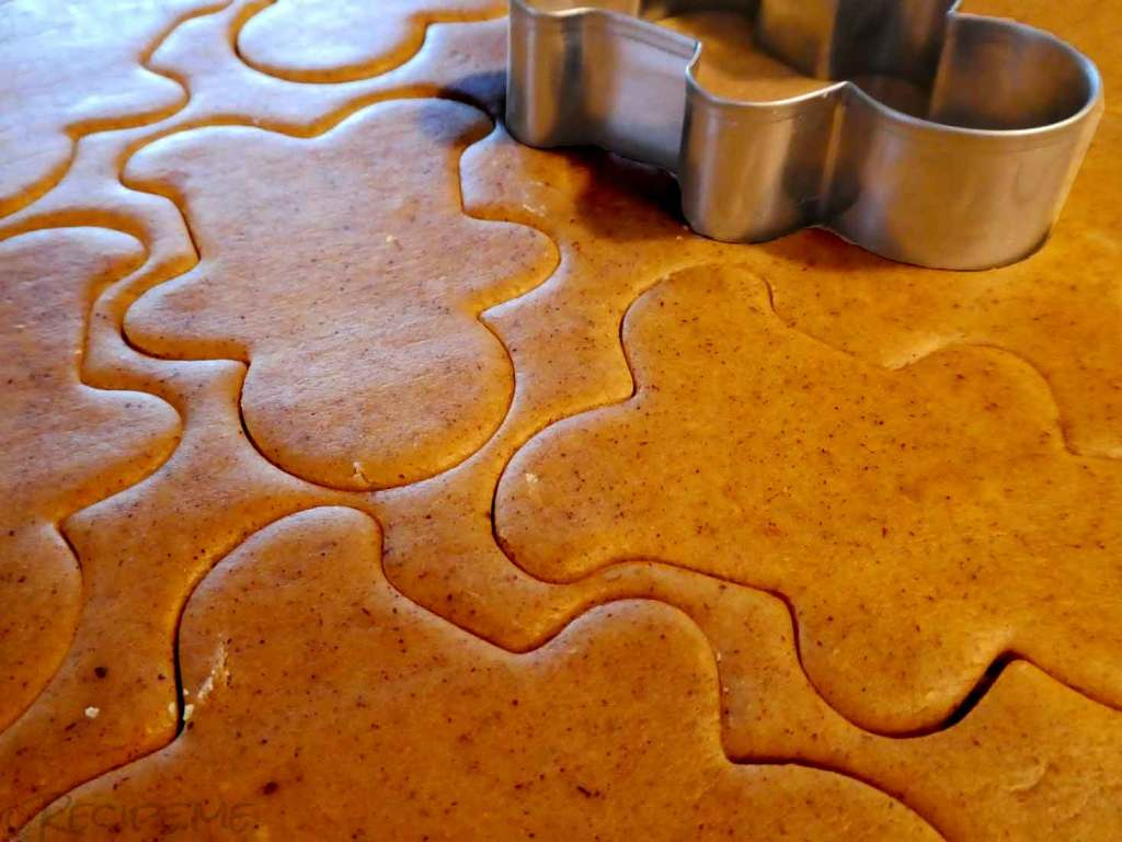 Gingerbread Biscuit - Step 5 - Cut out shapes 2