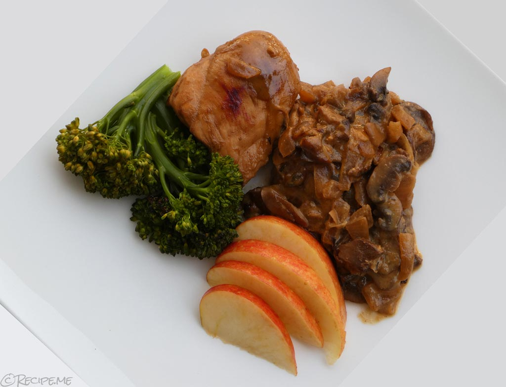 How to Make Poulet Vallée d'Auge (Creamy French Chicken with Apples) Recipe