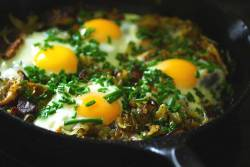 Hash Brown Shiitake Eggs with fresh chives