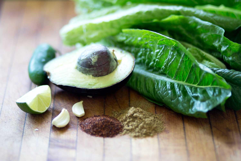 Salsa Verde with Romaine Lettuce|www.recipefiction.com