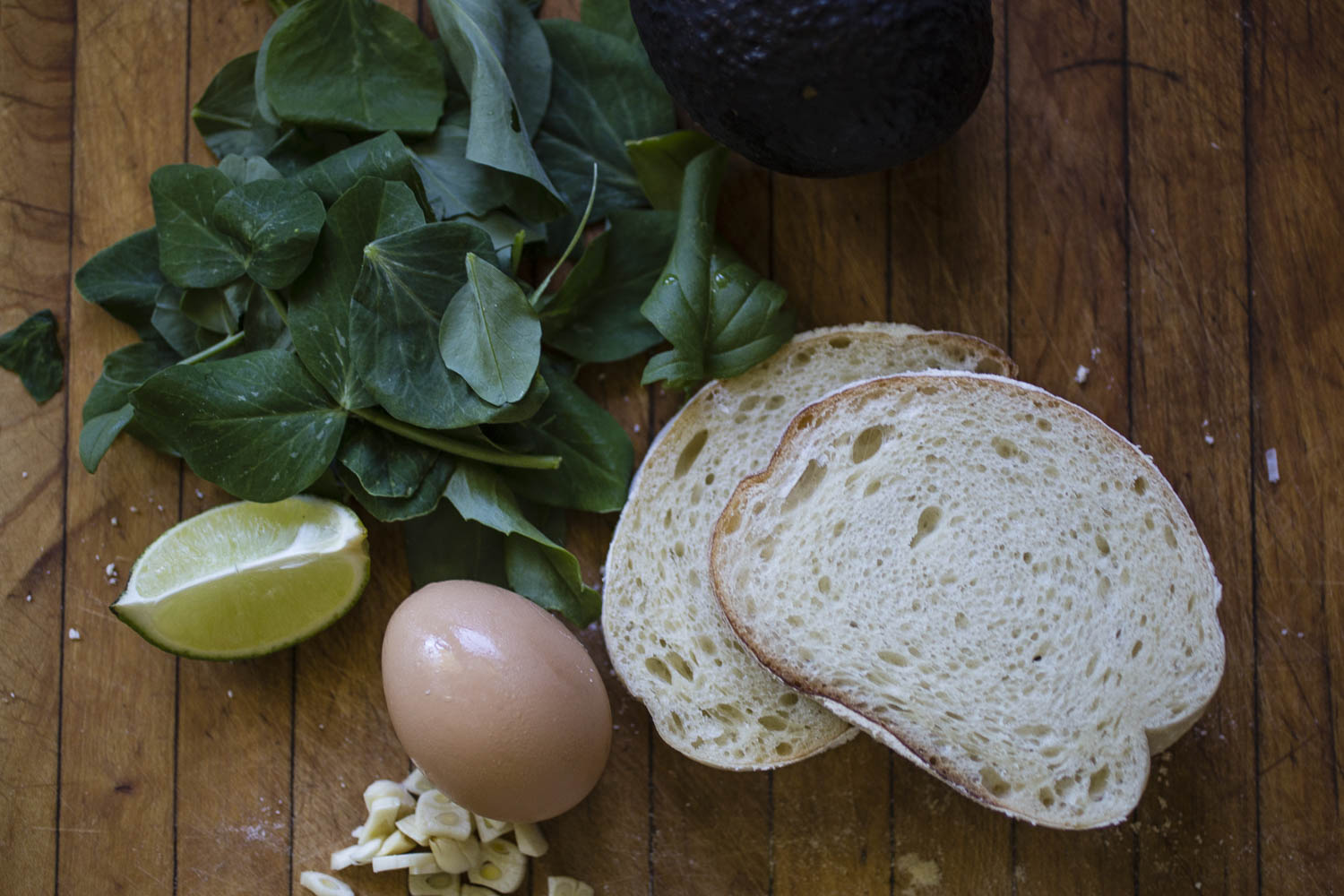 ingredients for pea shoots and avocado breakfast sandwich