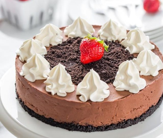 Baileys Chocolate Cheesecake With Whipped Cream