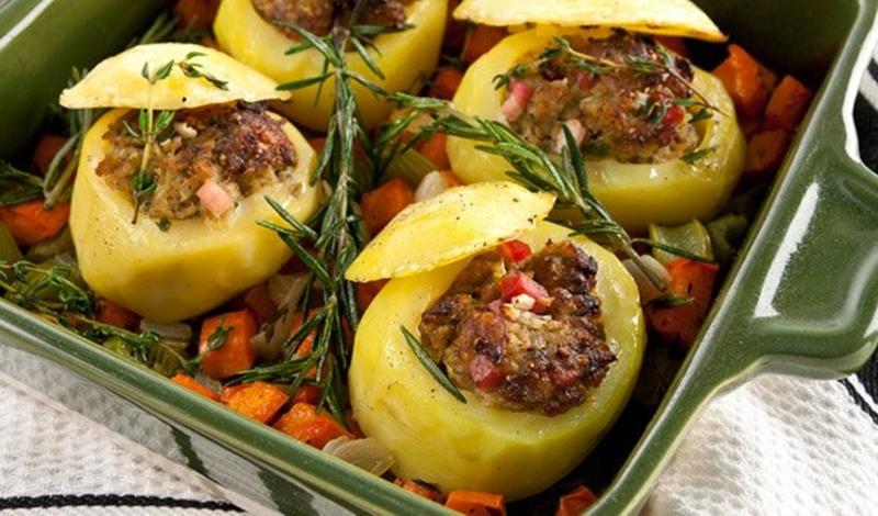 طريقة عمل البطاطس المحشية باللحمة المفرومة - وصفات أكل عربيه
