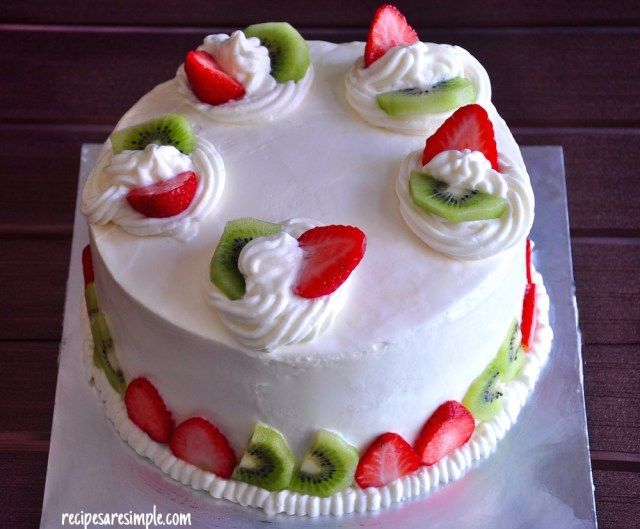 Sponge Cake with Fresh Fruit and Whipped Cream Video