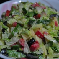 Tossed Salad with Olives and Grapes