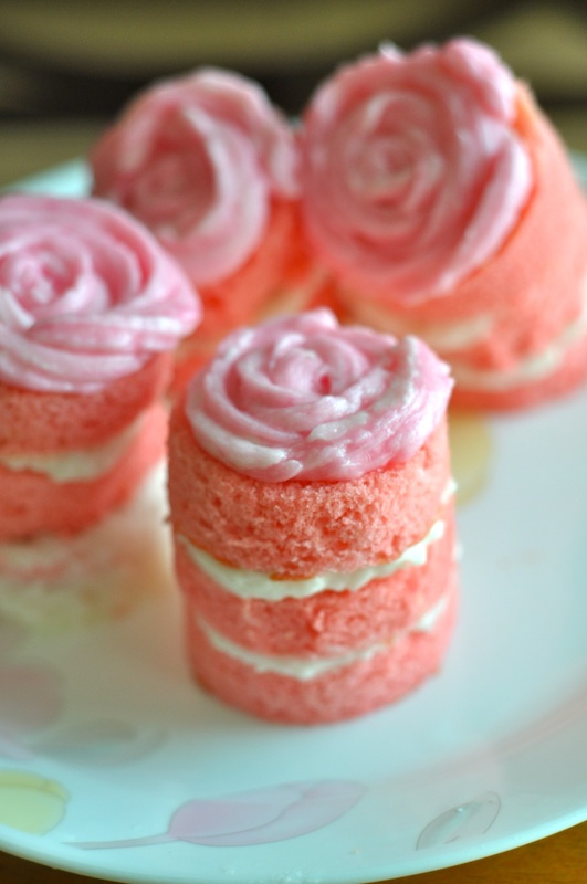 Mini Rosette Cakes