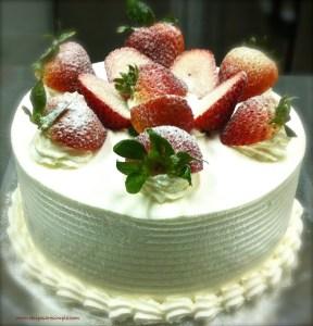 Strawberry Whipped Cream Sponge Cake