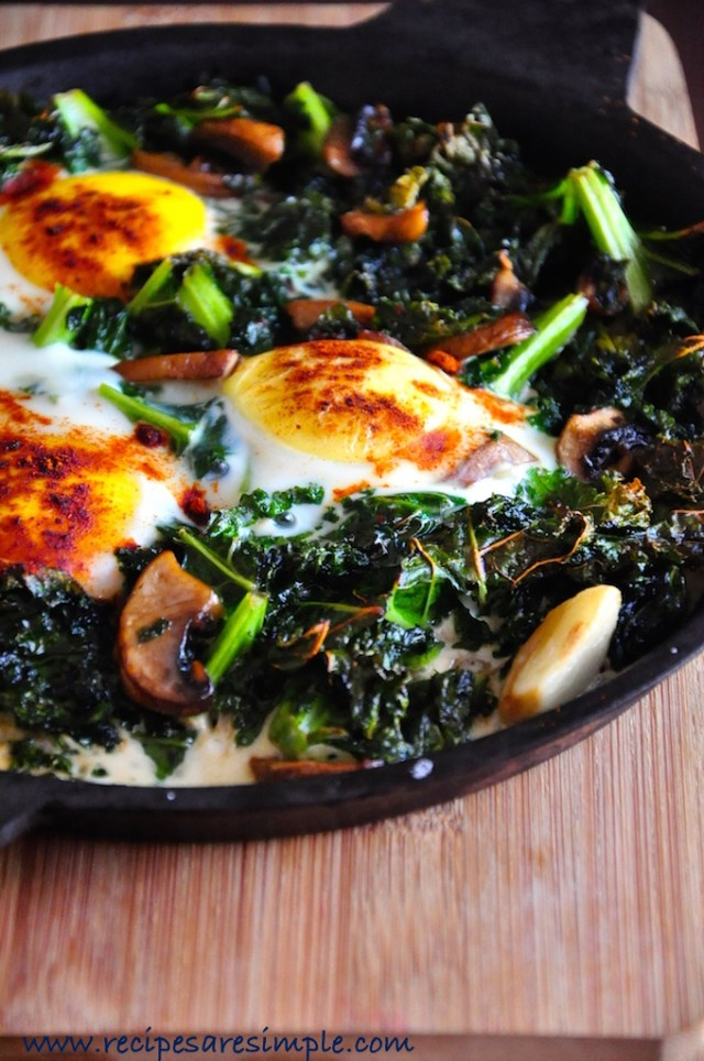 baked eggs and kale with mushroom