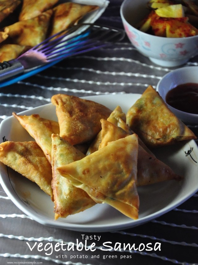 tasty vegetable samosa