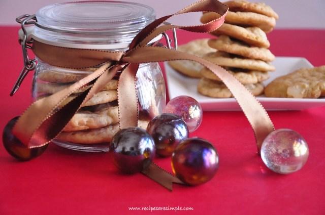 white-chocolate-macadamia-cookies
