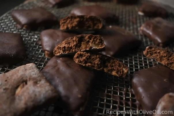 italian mostaccioli cookies mustacciuoli napoletani chocolate