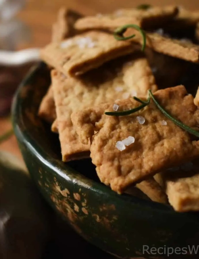 DIY Crackers With Olive Oil and Garlic