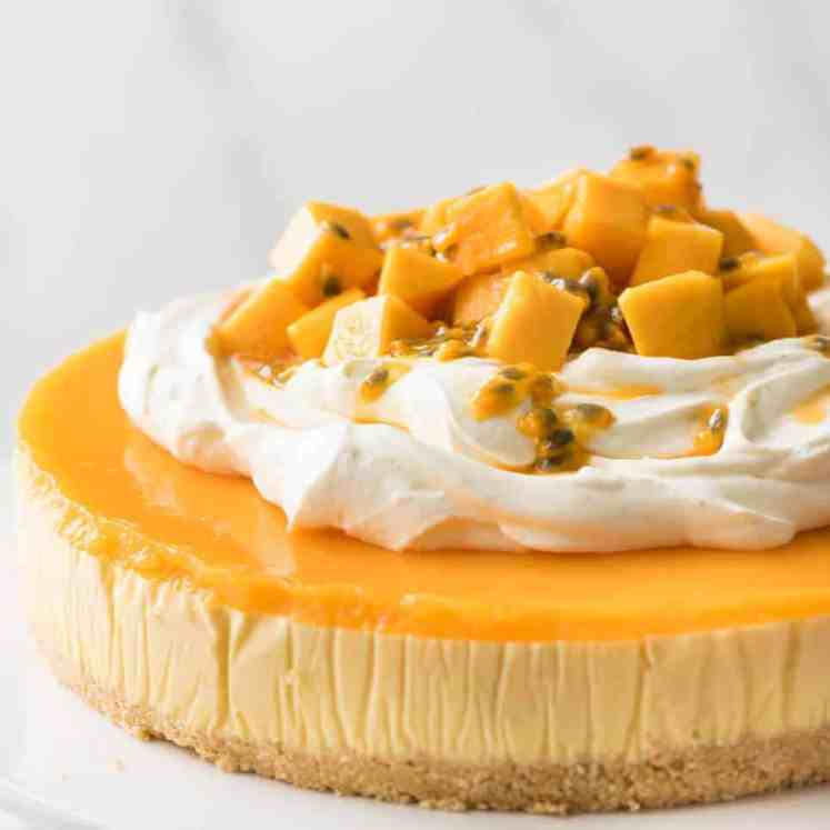 This No Bake Mango Cheesecake is a complete and utter celebration of summer! recipetineats.com
