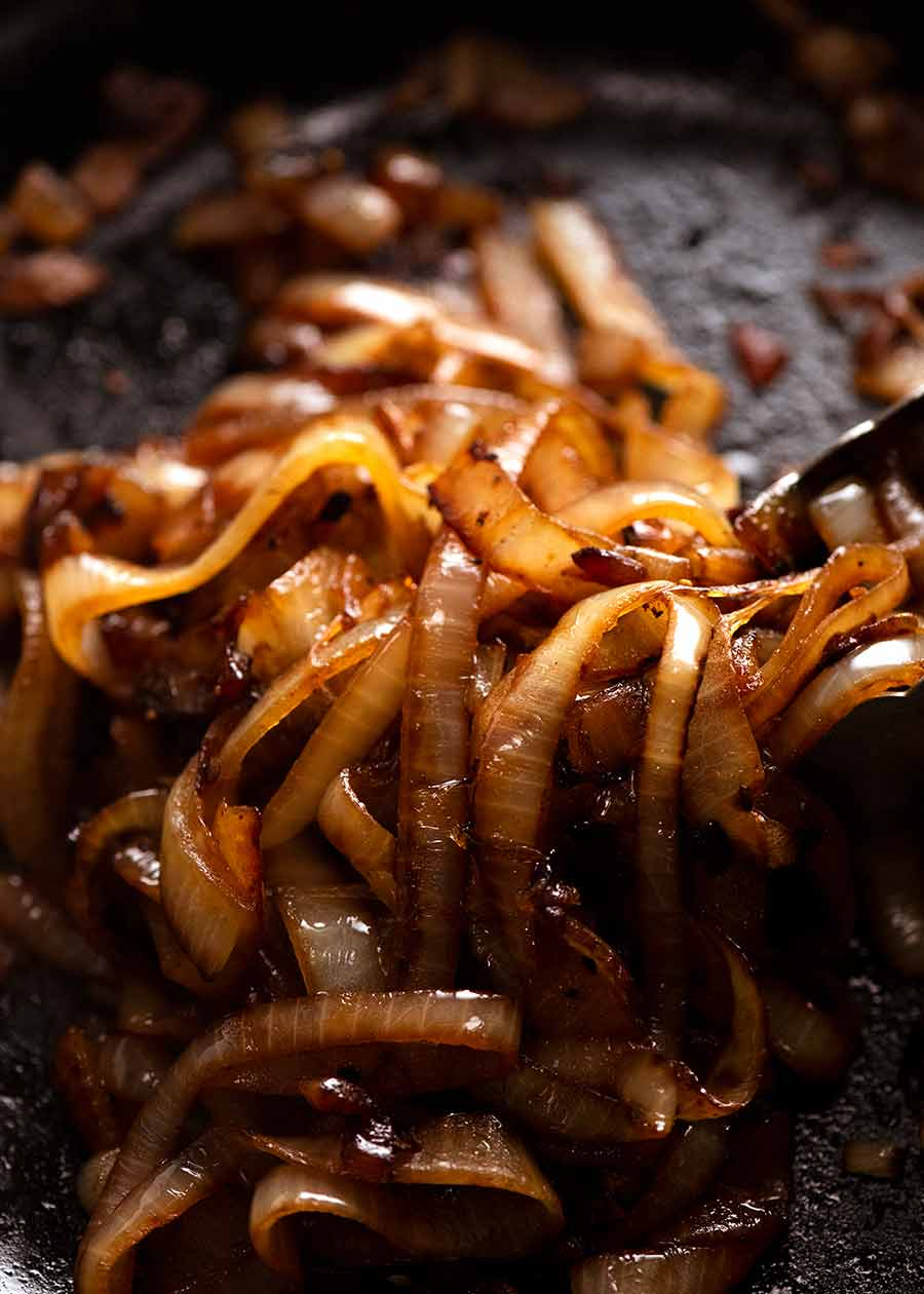 Pan fried onion for burgers