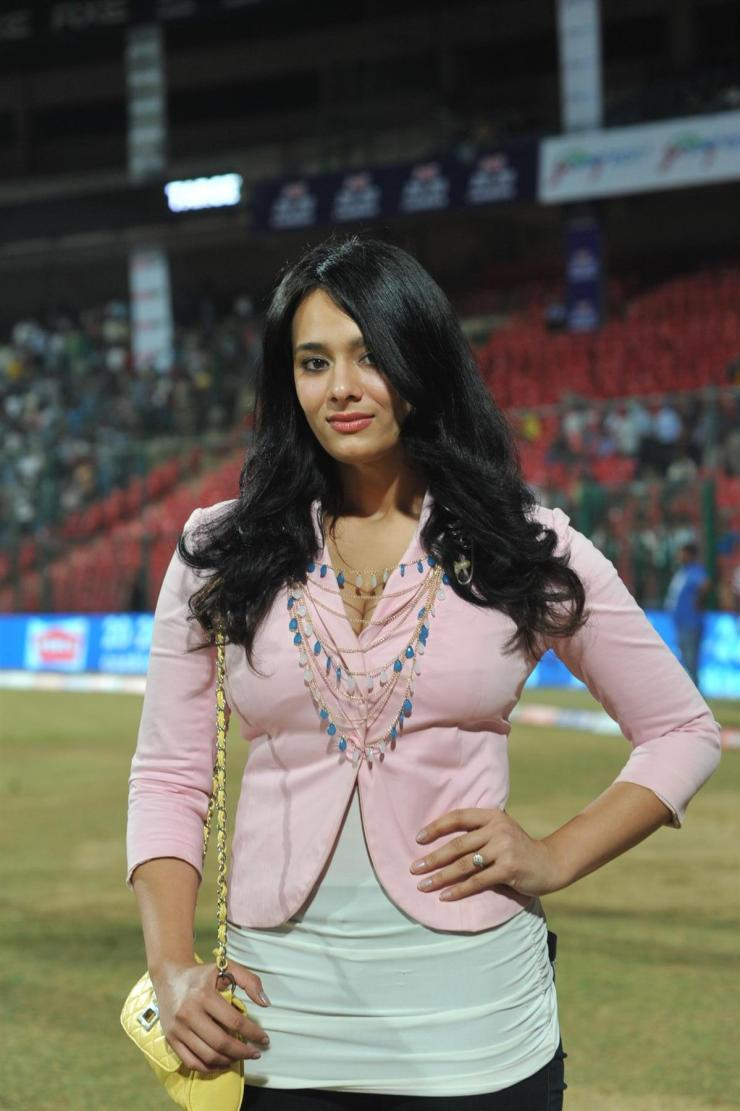 Image result for mayanti langer news anchor