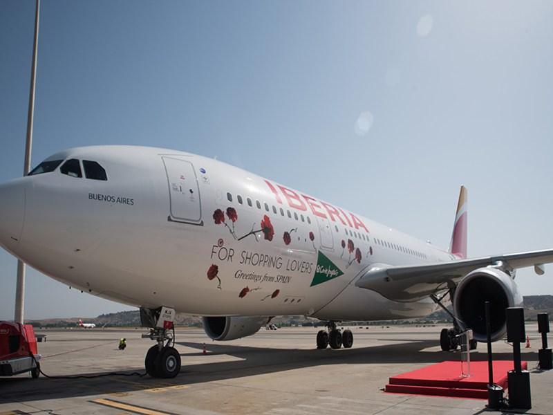 avión parado por huelga del transporte aéreo