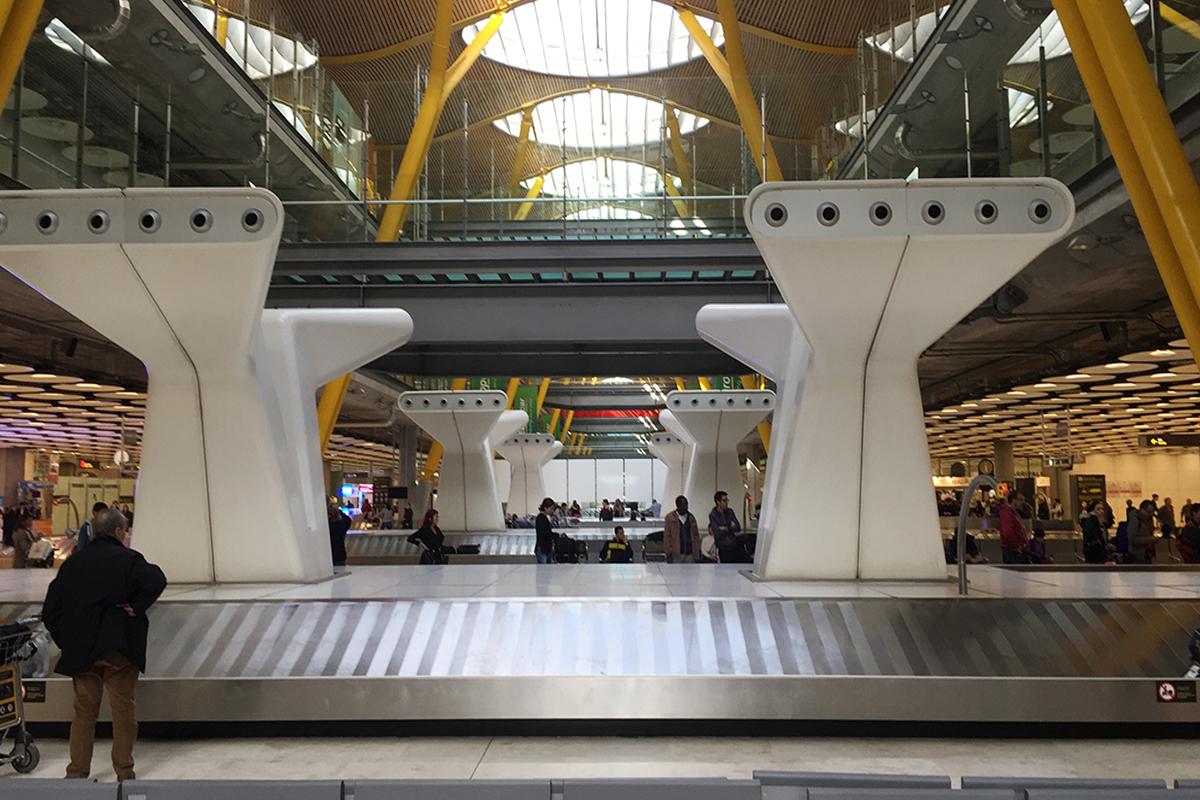 cinta de equipaje tras retraso vuelo de iberia