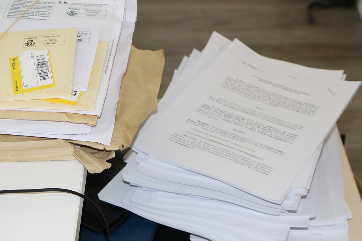 montón de demandas de despidos improcedentes. foto de reclamador.es