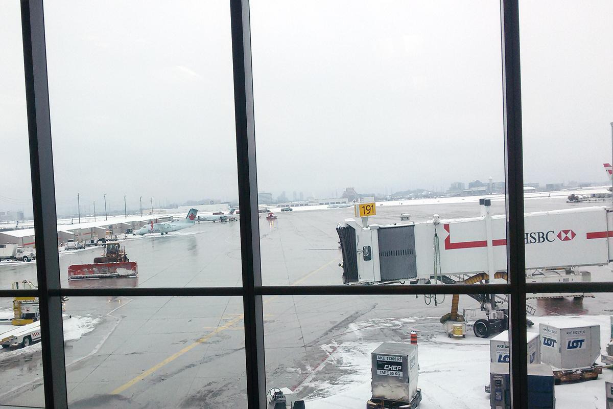 aeropuerto vacío porque no llega el avión de ryanair. foto de reclamador.es