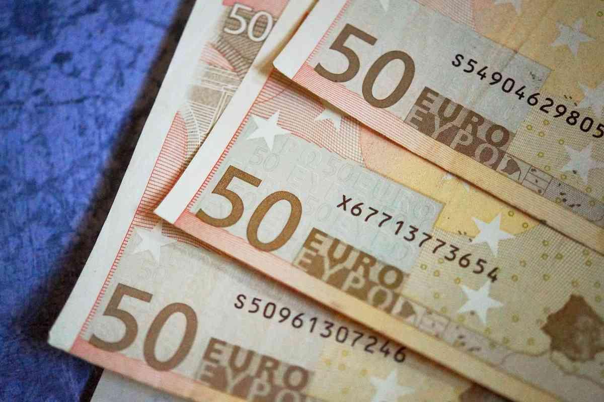 Cómo reclamar el dinero que tu banco te cobró de más