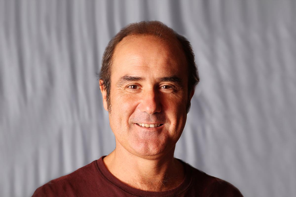 santi ibarretxe, afectado por un retraso de vuelo, nos cuenta su historia. foto de reclamador.es, plataforma de reclamaciones online