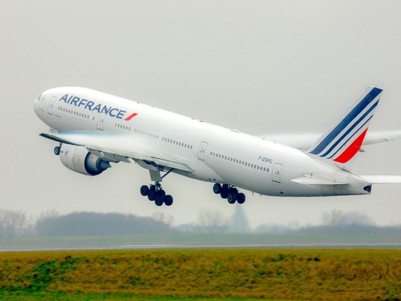 ¿Es posible abandonar el avión antes de despegar?