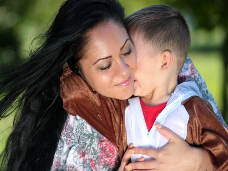 ¿Qué es la reagrupación familiar y cómo se solicita?