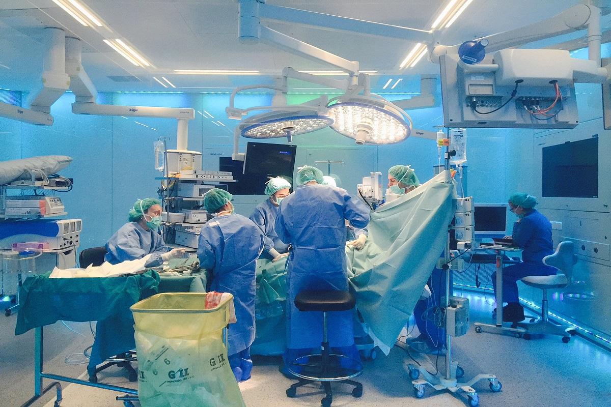 complicaciones protesis cadera negligencia reclamador