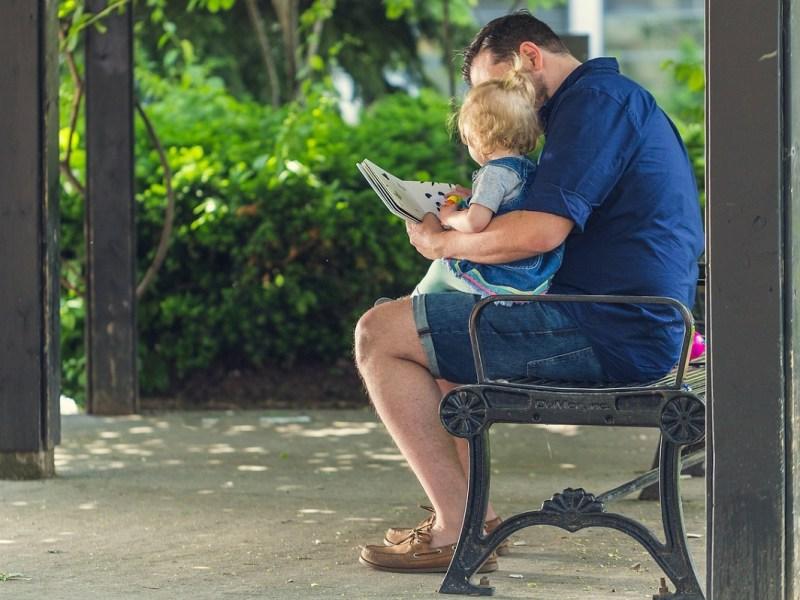 Ampliación del permiso de paternidad: 8 semanas a partir de abril y 16 en 2021