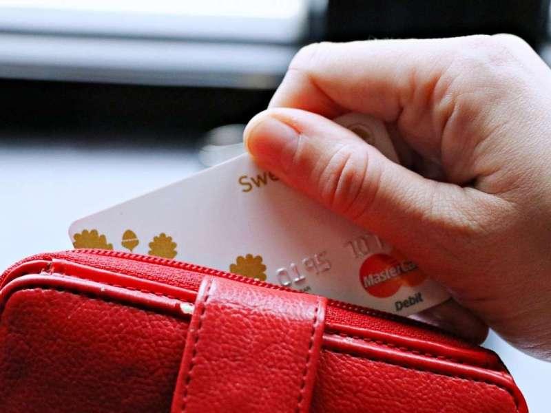 ¿Cómo se venden las tarjetas revolving?