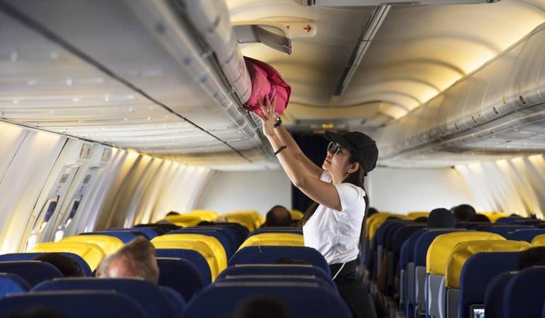 Ryanair y Wizz Air multados por el cobro de las maletas de mano