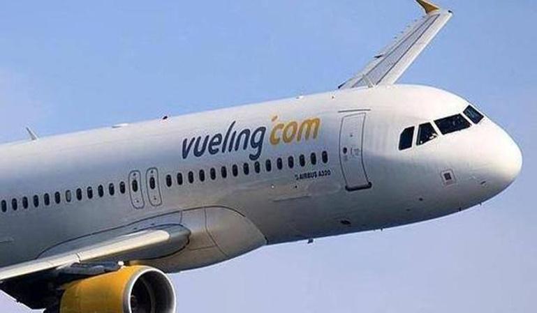 Vueling recibirá 1,18 millones públicos por volar entre Londres y Asturias