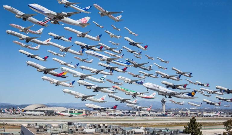 Cuántos vuelos sobrevuelan los cielos diariamente