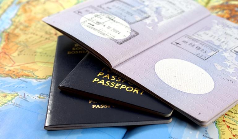 Me han robado el pasaporte en el extranjero. ¿Qué hago?