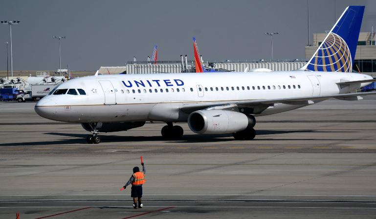 United Airlines embarca a un menor en el vuelo equivocado