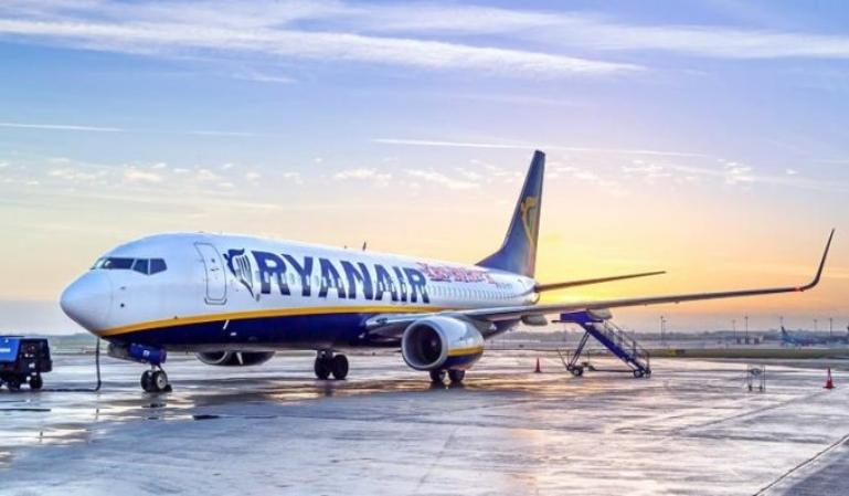 Ryanair se plantea cierres en España