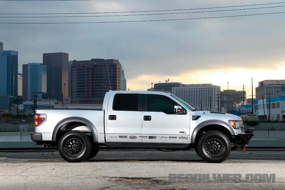 Ford-Raptor-SVT-Raptor-SuperCrew-Profile.jpg