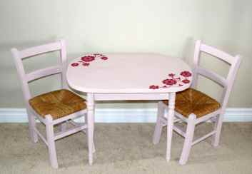hand painted old children's set in pink and raspberry red