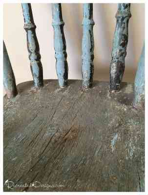 antique-blue-chippy-paint