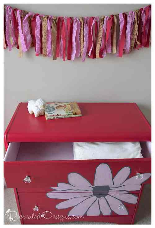 dresser with painted drawers in Decoart Innocence
