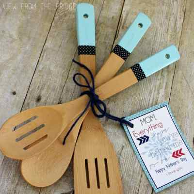 diy-paint-dipped-wooden-utensils-sq