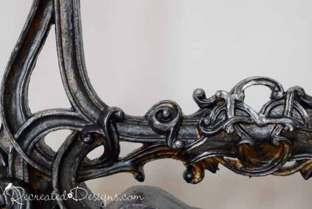 details on a frame covered with metallic cream (Country Chic Paint)