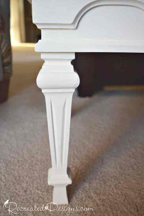beautiful Federal style legs on vintage coffee table