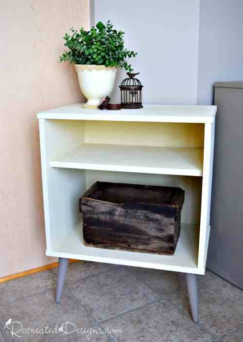 Annie Sloan Chalk Paint in Cream and Coco