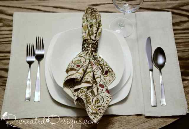 holiday place setting