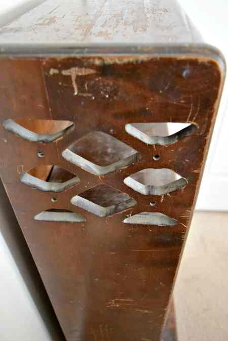 detailing on Art Deco bookcase