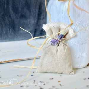 a linen bag and dried lavender