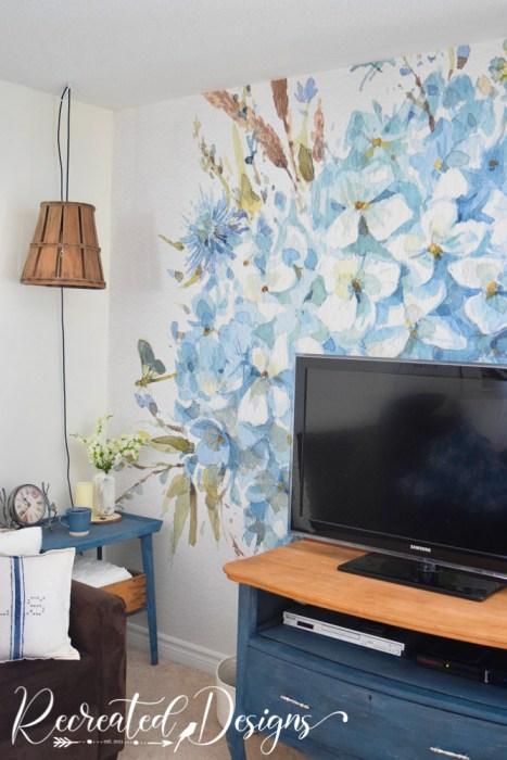 blue floral watercolour wallpaper