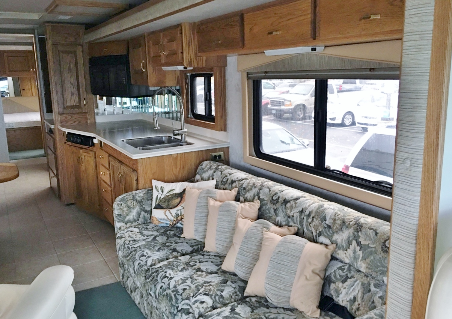 1999 Country Coach Allure
